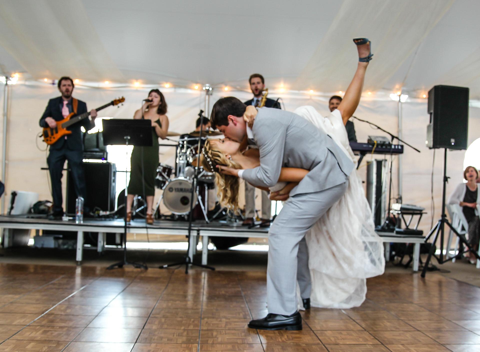 Jordan + Kevin Wedding On Sunny Slope Farm Wedding Venue by Linda Hexter Photography (23 of 30)