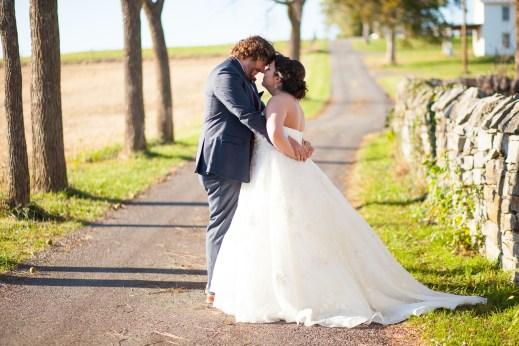 Mary + Patrick Wedding On Sunny Slope Farm Wedding Venue by Feather & Oak Photography (22 of 31)