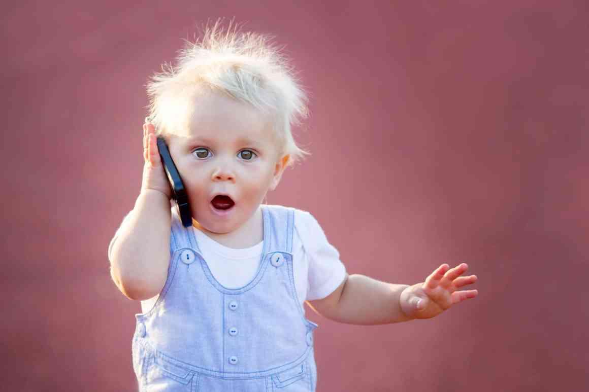 criança no celular