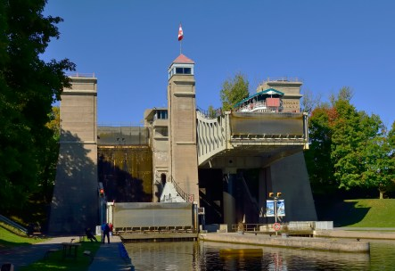 The lift lock in action.