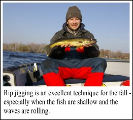Bucktail Jigging For Weed Walleye Fishing