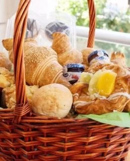 Breakfast Basket  445x410 262x325 - Ontbijtmand