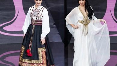 ملكات جمال الكون يستعرضن بالأزياء الشعبية لبلادهن