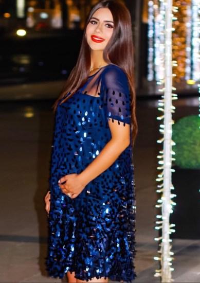 للنساء الحوامل إستوحي إطلالتك من الفاشينيستا المتألقة ديما الأسعدي