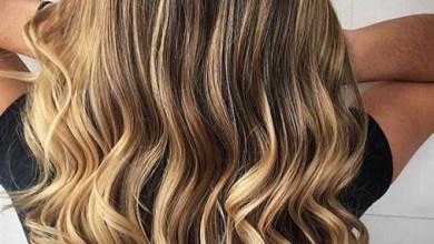 لون الشعر كثيرا ما تهتم به النساء حيث صبغات الشعر وصيحاته المتنوعة