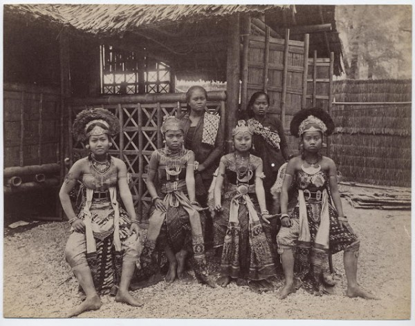 Africans-Human-Zoo-600x472