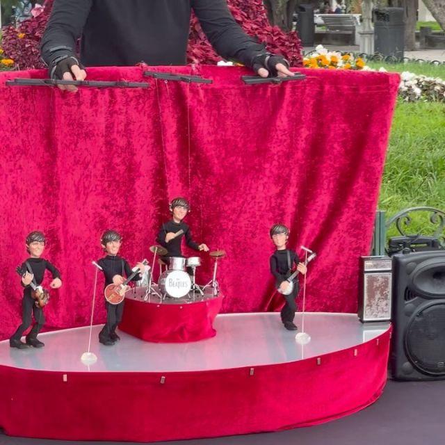An unexpected musical treat in San Sebastián. #sansebastian #spain #laconcha #beatles #puppet #welovetheworld