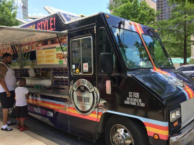 Dallas Food Trucks Klyde Warren Park Food Truck | On The Road Eats