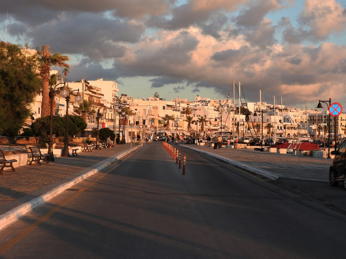 naxos-port-cyclades