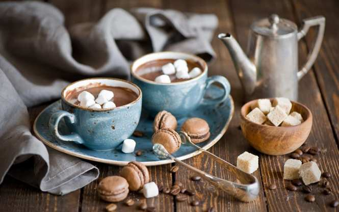 hot-chocolate-with-marshmallows