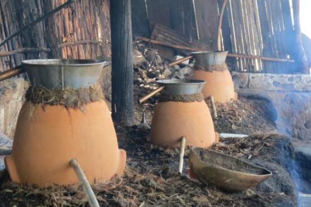 clay-pots-mezcal