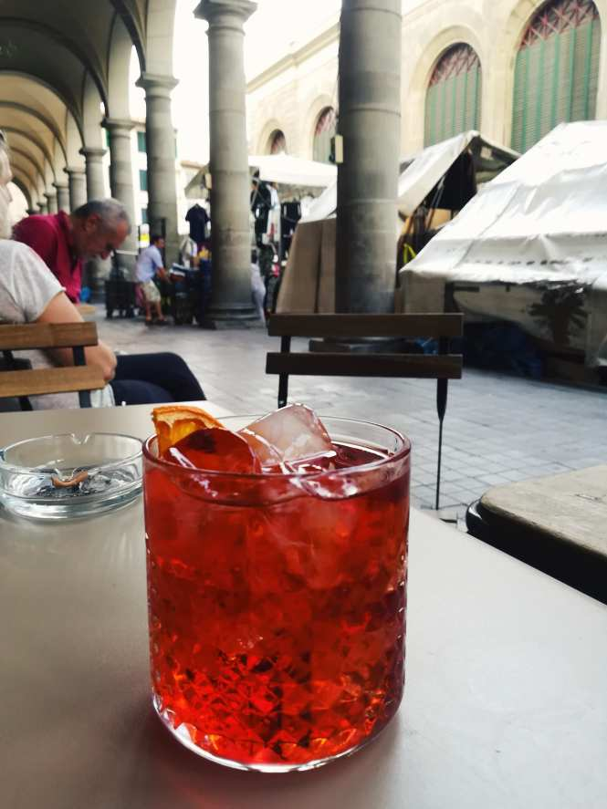Negroni by the market