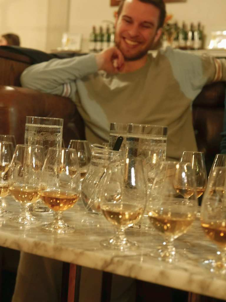 whisky tasting with friends