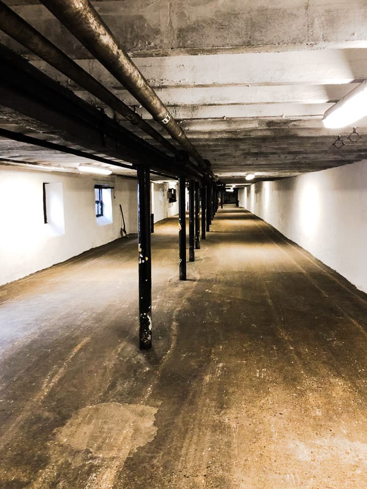 Floor malting room