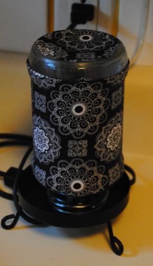 Upcycled Spaghetti Jar Decorative Lamp (2/3)