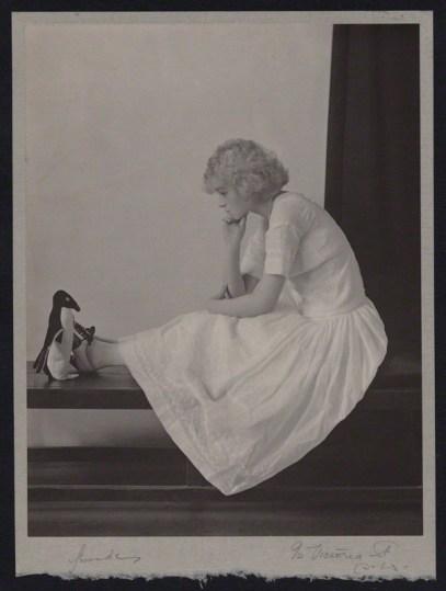 Madame Yevonde (c.1915) Doris Louise Cleghorn Church (née Somerville).