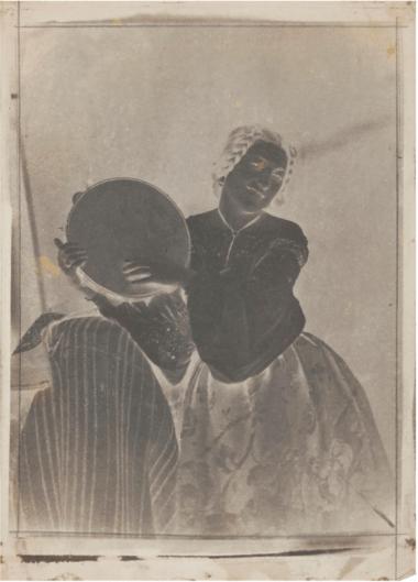 eune-femme-au-tambourin-1852-calotype
