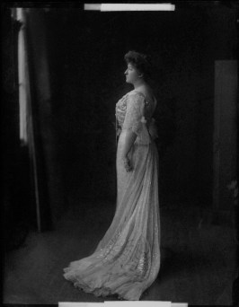 Henry Walter ('H. Walter') Barnett (1902) Nellie Melba half-plate glass negative