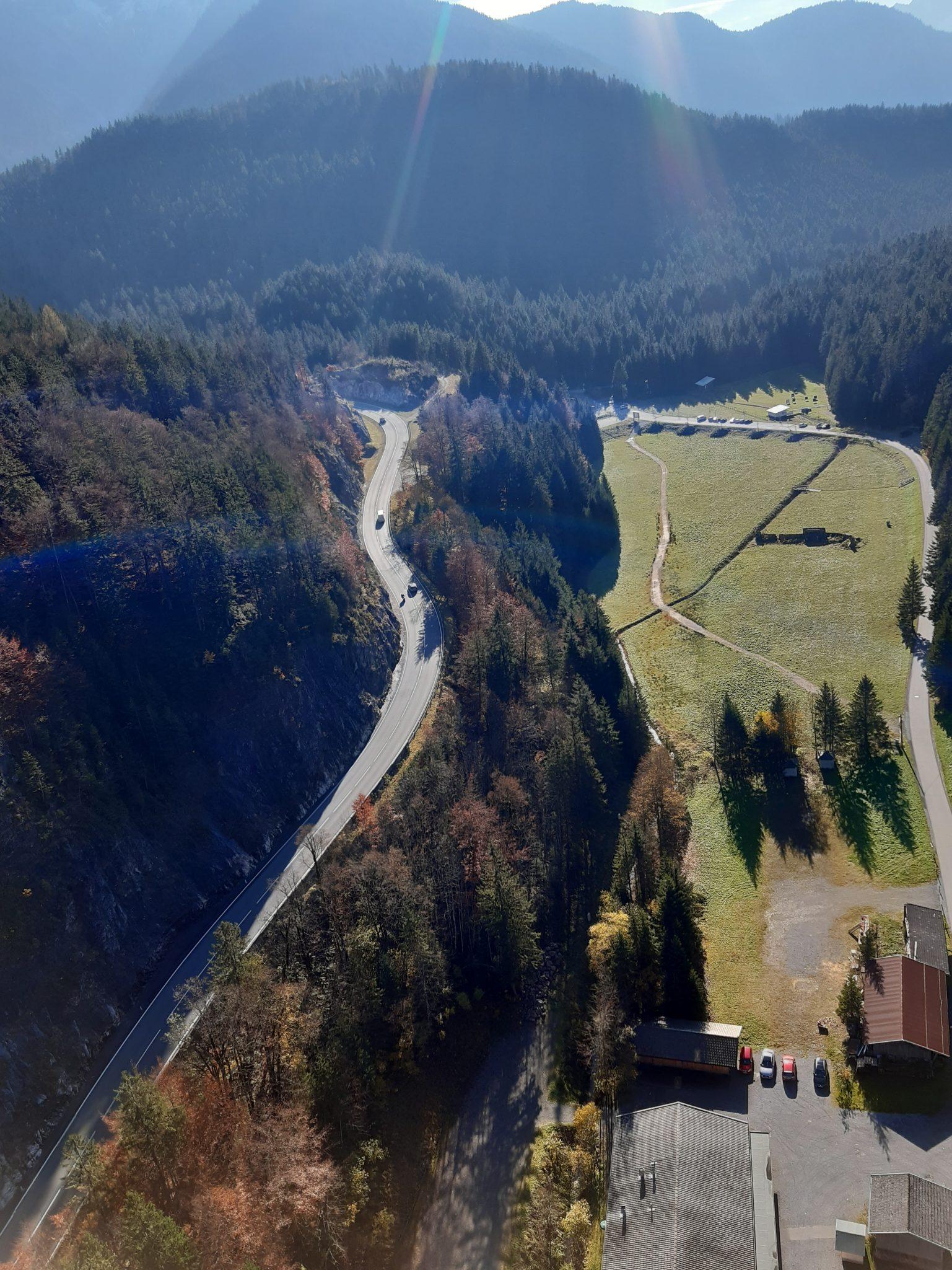 Fußgängerhängebrücke Reutte Aussicht in das Tal