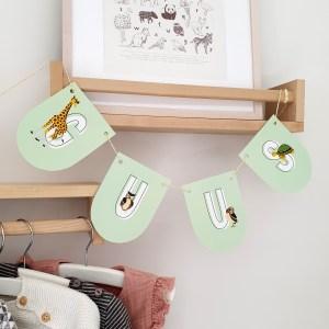 Naamslinger kind kinderkamer ontwerp door lindy mintgroen