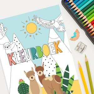 educatief kleurboek met dierenvriendjes die je het alfabet leren, leren tellen en de werelddelen van onze mooie aarde laten zien.
