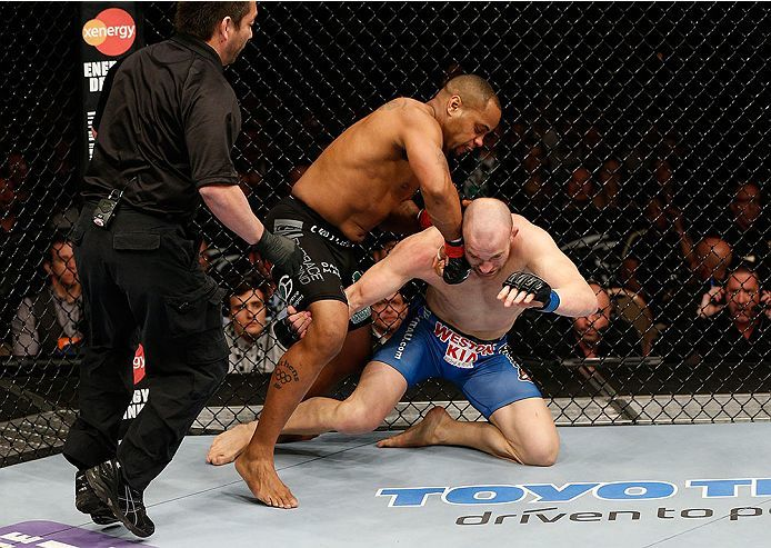 Daniel Cormier knocked out Patrick Cummins at 1:19 minutes into the very first round. Photo courtesy of o.canada.com