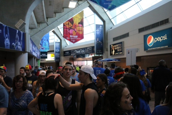 Crowded Concourse THON 16