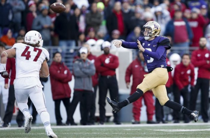 8955488-ncaa-football-washington-state-washington-850x560