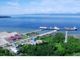 Image source: https://finance.detik.com/berita-ekonomi-bisnis/3180521/pelabuhan-wasior-papua-tol-laut-di-indonesia-timur