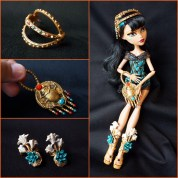 Cleo De Nile accessories - from various releases