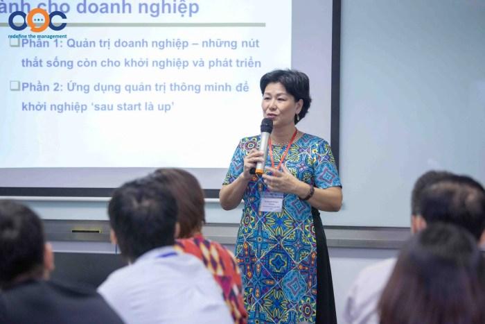 Diễn giả Nguyễn Thị Nam Phương chia sẻ kinh nghiệm quản trị DN