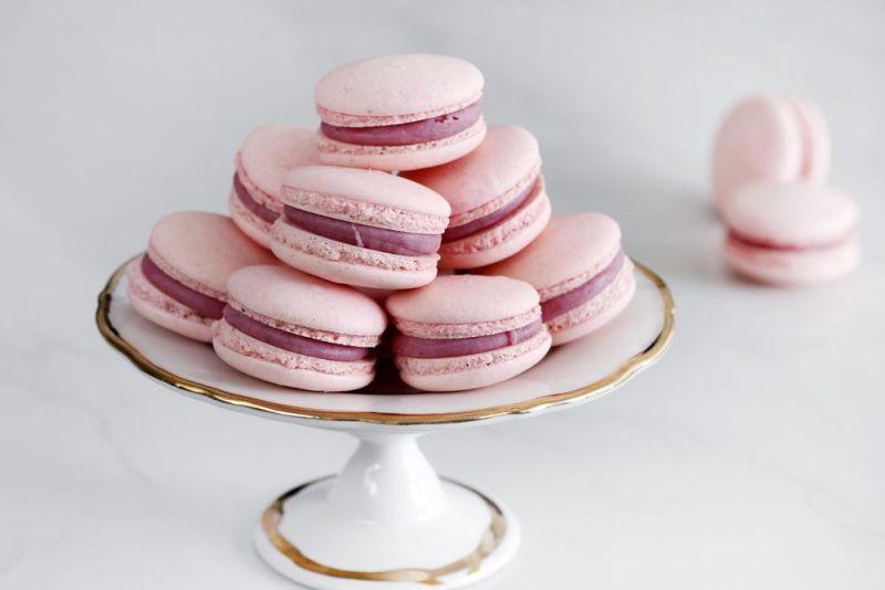 raspberry_macarons-s