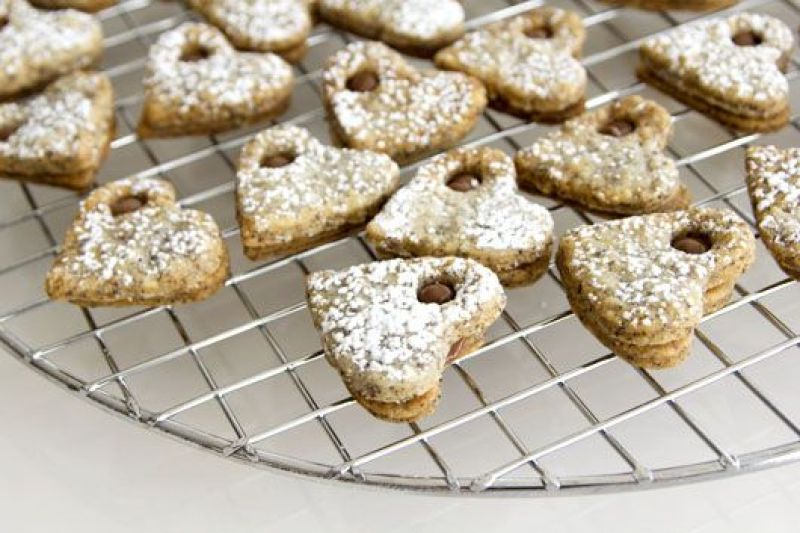 Poppy Seeds Sandwich Cookies filled with Chocolate