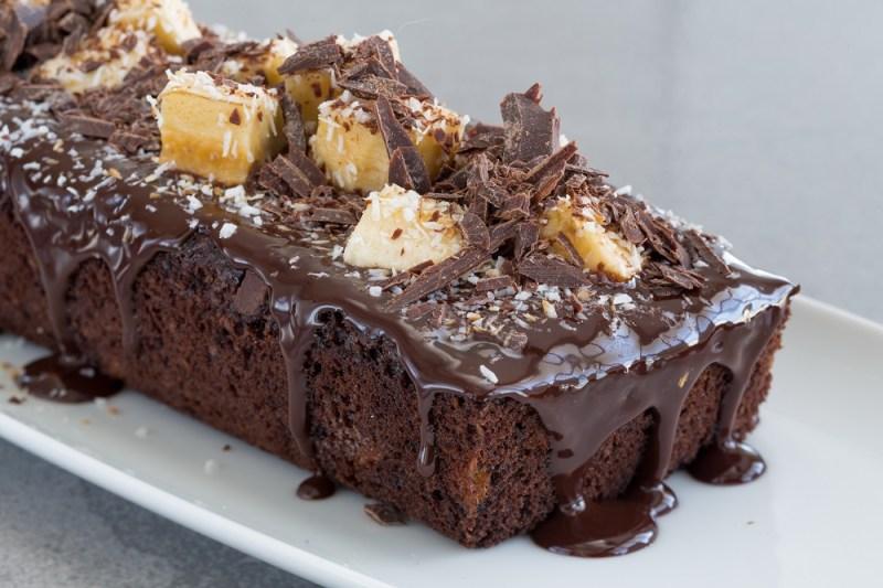 עוגת שוקולד עם קוקוס ובננות