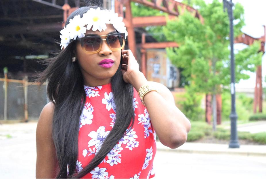Style-files-forever-21-red-maxi-floral-maxi-dress-criss-cross-back-strap-forever21-daisy-headband-red-justfab-fringe-sandals-Boohoo-Zoe-Square-Oversized Ombre-Frame Aviator-sungalsses-Oohlalablog-9
