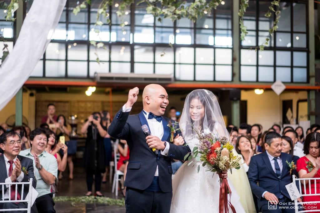 Liang-Pojoo-LiangPojooRingOnIt-Whup-Whup-Restaurant-Cafe-Couple-Portrait-Prewedding-Pre-Wedding-Ceremony-Day-Engagement-Photography-Photographer-Malaysia-Kuala-Lumpur-Ooi-Eric-Studio-19