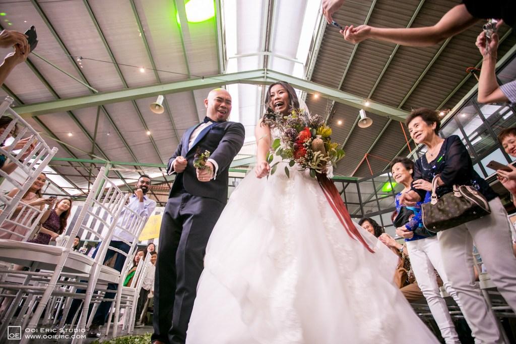 Liang-Pojoo-LiangPojooRingOnIt-Whup-Whup-Restaurant-Cafe-Couple-Portrait-Prewedding-Pre-Wedding-Ceremony-Day-Engagement-Photography-Photographer-Malaysia-Kuala-Lumpur-Ooi-Eric-Studio-37