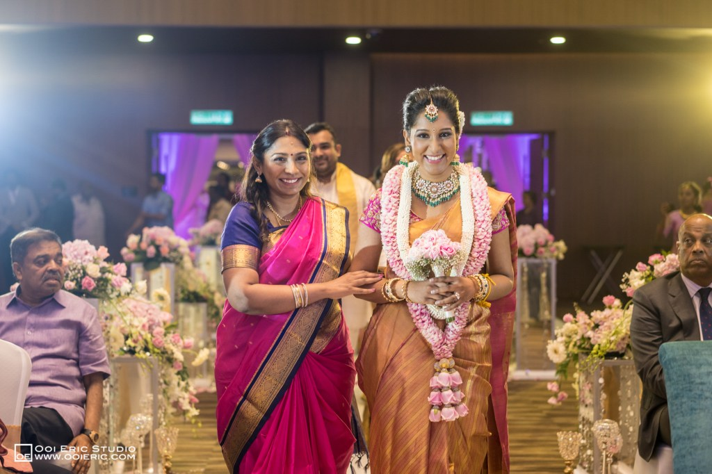 Satya-Priyya-Indian-Hindu-Wedding-Kuala-Lumpur-Malayisa-Singapore-Glasshouse-Sim-Darby-Convention-Center-St-Regis-Ceremony-ROM-Sangget-Nalangu-Ooi-Eric-Studio-42