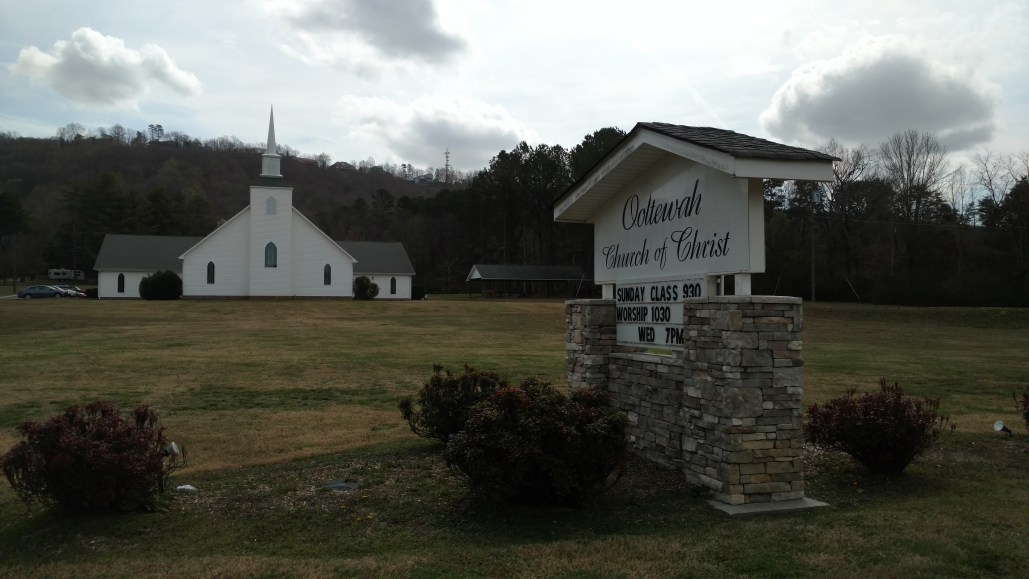 Ooltewah Church of Christ Building Front with sign