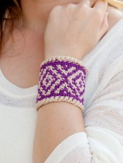 Diamond Bracelet - Learn to Tapestry Crochet - Annie's Craft Store - Review by Oombawka Design Crochet