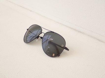男前な女性の為のサングラスです。|シャネル(CHANEL)「CH4189TQ」