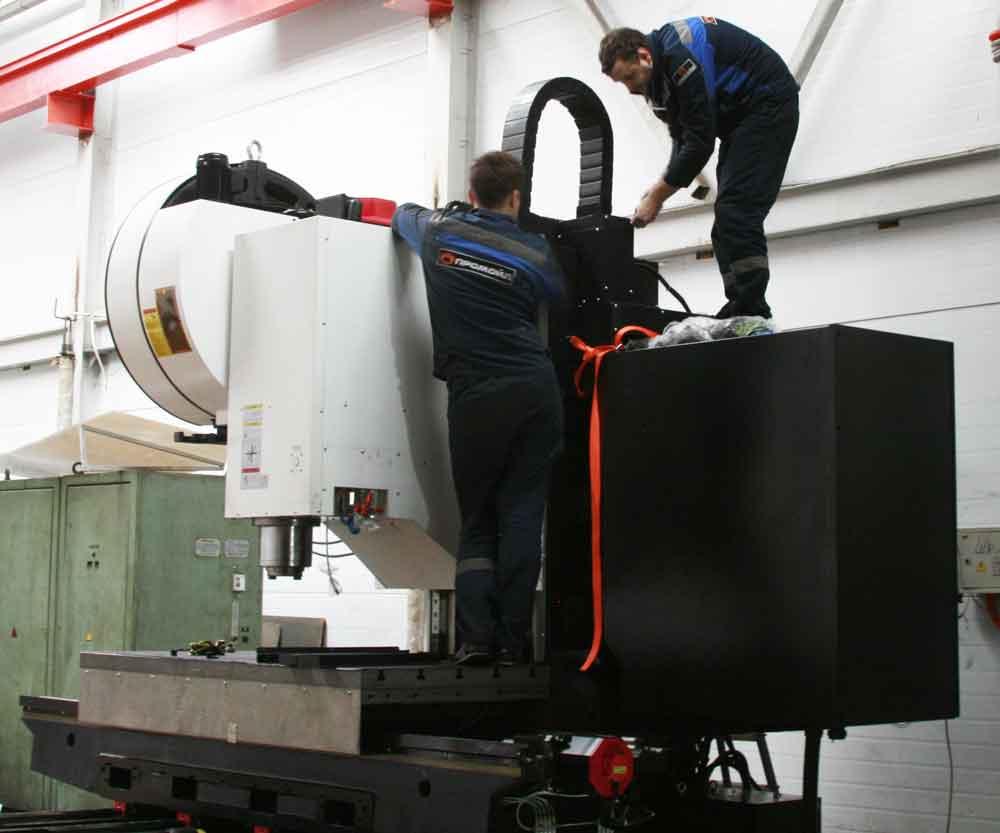 Вертикальный фрезерный обрабатывающий центр с ЧПУ Solex VM-1880S
