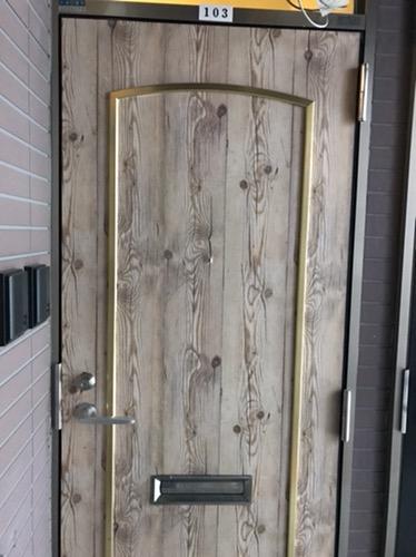 ドアをウエルカムな雰囲気へ