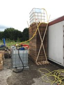 fase 3: container op de watertoren (van pallets..)