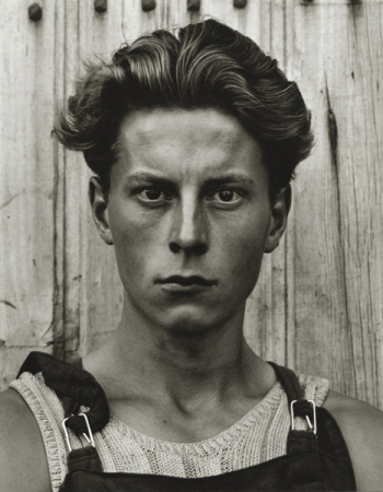 Young Boy, Gondeville, Charente, France, 1951 foto door Paul Strand reproduced here by kind permission of the Paul Strand Archive
