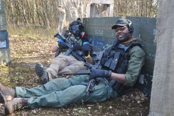 Two players airsofting