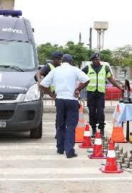 PN retira cones usados anarquicamente em Luanda