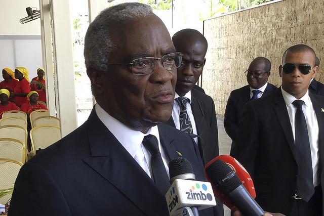 Ex-Presidente são-tomense critica gestão da crise da covid-19 no país