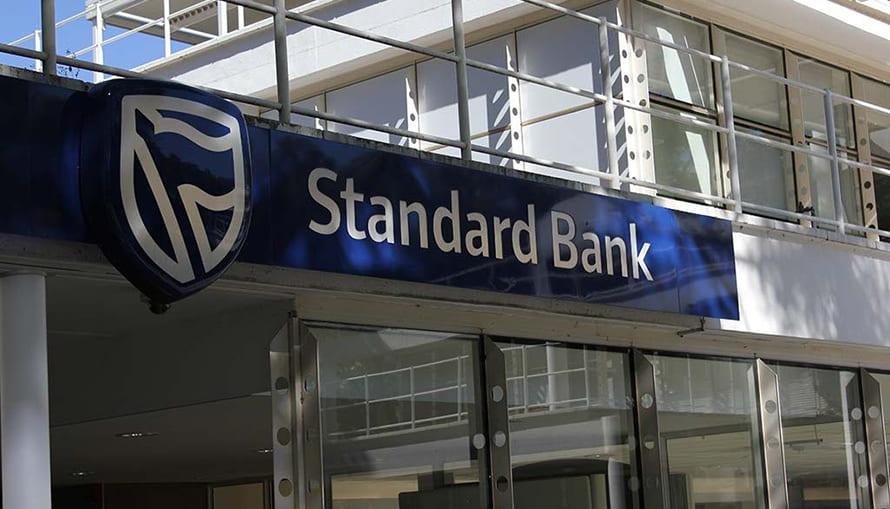 COVID-19: Standard Bank com um funcionário infectado e contactos já cumprem quarentena
