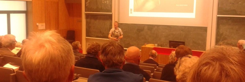 Sander tijdens lezing april 2017 Contactdag GEA NGV